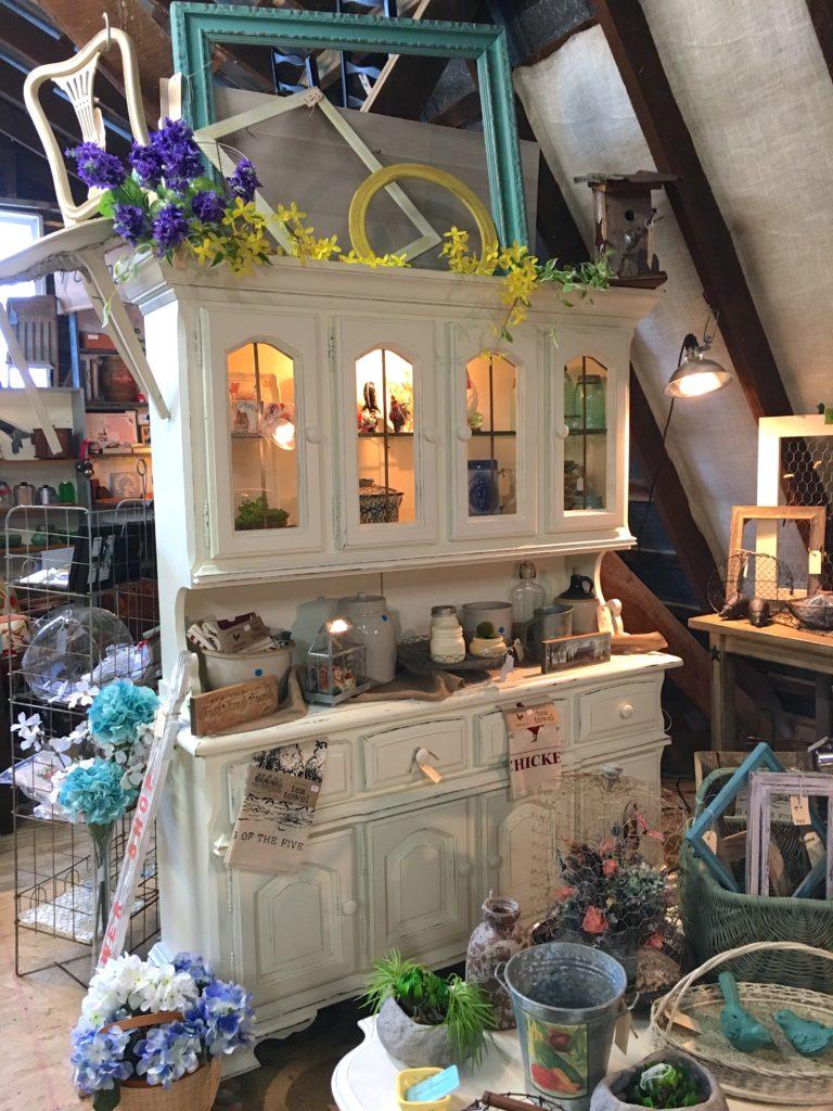 white farmhouse kitchen hutch